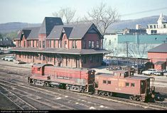 RailPictures.Net Photo: LV 200 Lehigh Valley Baldwin DRS-4-4-1500 or DRS-4-4-15 at Sayre, Pennsylvania by Dave Burroughs