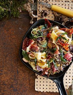 Suppilovahvero-omenapasta   Liha, Arjen nopeat, Pastat ja risotot   Soppa365 Paella, Risotto, Good Food, Ethnic Recipes, Healthy Food, Yummy Food