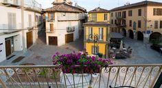 View of Barolo downtown. Booking.com: Casa Svizzera Agriturismo, Barolo, Italia