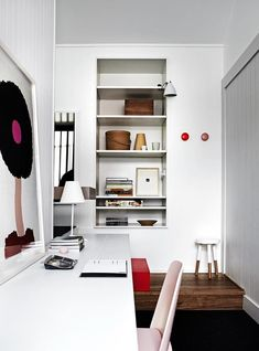 Contemporary Home Office Design Ideas - Surf pictures of contemporary office. Discover inspiration for your fashionable office design with ideas for decoration, storage and furniture. #contemporaryhomeoffice #homeofficedesignideas #contemporaryhomeofficeinteriors