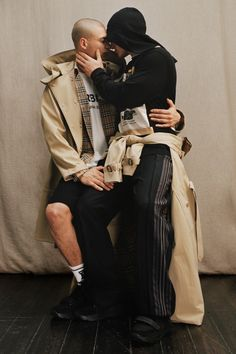 Shop women's gifts from Burberry, including signature bags, scarves, wallets and Her – the new fragrance for women. Engagement Photography Tips, Burberry Gifts, Leather Belt Bag, Cashmere Coat, Brown And Grey, Cool Outfits, Women Wear, Portrait, Style