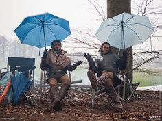 Tom McKay (Jasper) and Michael Marcus (Henry Tudor) take cover on the set of #TheWhiteQueen.
