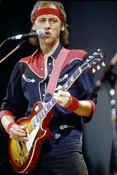 Mark Knopfler of Dire Straits. My favorite guitarist. Mark Knopfler, Rock And Roll, Pop Rock, Dire Straits, Les Paul, Music Is Life, My Music, Music Notes, Rock Music History