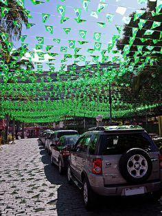 Rua Enfeitada para a Copa - Copa do mundo - Futebol - Mundial - World Cup - Enfeite - Copa - Maracanã - Rio de Janeiro - Brasil - Brazil