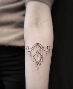 "66 likerklikk, 1 kommentarer – MISCHIEF NEW YORK TEAM (@mischieftattoonyc) på Instagram: ""Chandelier  @mischieftattoonyc • mischieftattoonyc@gmail.com • 1-212-229-0687 #tattoo #tattoos…"""