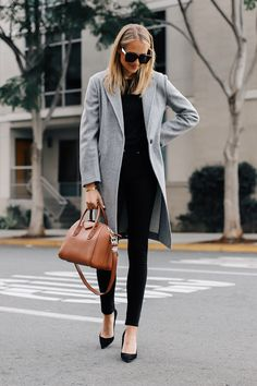 One of my favorite and most worn coats in the winter is a grey coat. I find it to be one of the most, if not, the most versatile coat to wear. Not only does it pair so well with… Grey Fashion, Work Fashion, Style Fashion, Fashion Brands, Winter Coat Outfits, Sweater Outfits, Fall Outfits, Summer Outfits, Trendy Outfits