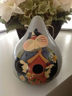 Hand painted Cat Birdhouse Gourd by BizzyCreations on Etsy. This looks like a Renee Mullins design!!