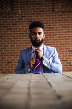 Oh yea. I'm digging this guy.  Love his hair and beard and suit and face,  lol