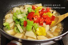 일주일 알뜰 건강 밑반찬 7가지 Fruit Salad, Cobb Salad, Side Dishes, Food And Drink, Cooking, Board, Kitchen, Fruit Salads, Brewing
