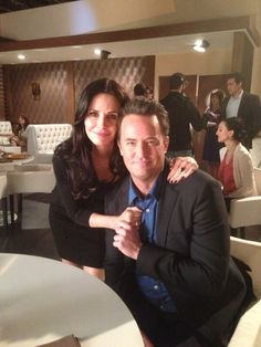 """Monica and Chandler Bing, ten years later. 27 Photos Of The """"Friends"""" Cast Being Friends In Real Life"""