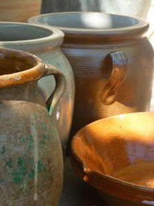 Poterie Napkin Decoupage, Vase Shapes, Around The Corner, Simple House, Moscow Mule Mugs, Soft Colors, Mixed Media Art, Terracotta, Tableware