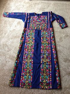 Vintage Middle East Bedouin Palestinian embroidered ethnic traditional dress 35y ~ STUNNING