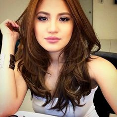 Get brand new hair care tips. Hairstyle For Round Face. Hairstyles For Round Faces, Cool Hairstyles, Simply Beautiful, Beautiful Women, Filipina Beauty, Asian Hair, Hair Care Tips, Celebrity Crush, New Hair