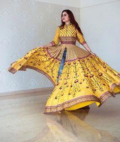 Ideas for clothes indie kimonos Kurti Designs Party Wear, Kurta Designs, Indian Attire, Indian Ethnic Wear, Indian Style, Indian Dresses, Indian Outfits, Anarkali Dress, Lehenga