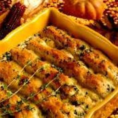 Leftover turkey casserole recipes are fantastic for right after Thanksgiving or Christmas. This turkey casserole recipe is one you've got to try! Leftover Turkey Casserole, Leftover Turkey Recipes, Leftovers Recipes, Turkey Leftovers, Dinner Recipes, Thanksgiving Turkey, Thanksgiving Recipes, Holiday Recipes, Holiday Meals