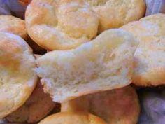 Soft Gluten Free Dinner Rolls Recipe: http://glutenfreerecipebox.com/gluten-free-dinner-rolls-recipe/ #glutenfree