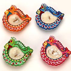 Peacock Diyas Diwali Gifts: http://diwali.indiangiftsportal.com