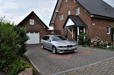 BMW 525d touring Edition Sport als Kombi in Minden