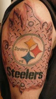 Fan support to the fullest! I'm gonna get me a Steelers tat one day for sure! Sport Tattoos, Cool Tattoos, Steelers Tattoos, Pittsburgh Steelers Football, Steelers Fans, Chef Tattoo, Steeler Nation, Future Tattoos, Tattoo Inspiration