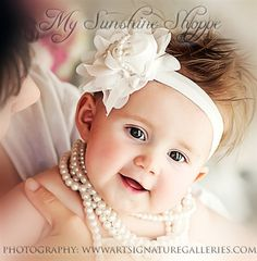 site with TONS of adorable hair accessories for kids/materials for hairbands for cheap! awesome!!