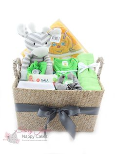 What a perfect baby gift for any newborn. This Unisex giraffe  sc 1 st  Pinterest & 70 Best Baby Gift Hampers from Stacey Janeu0027s Nappy Cakes images in ...