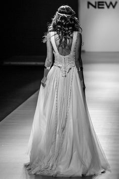 "mod ""Rhea"" fashion show, vintage wedding dress, boho wedding dress, VG Ζolotas, Atelier Zolotas, Handmade wedding dress, women fashion, bridal fashion, bride, headpiece, jewelry, headband"