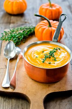 Pumpkin Soup Flavourful and creamy Halloween Pumpkin Soup Prep Time: 25 minutes Cook time: 25 minutes Serves: 12 - Pressure Cooker - Ideas of Pressure Cooker Slow Cooker Pressure Cooker, Easy Pressure Cooker Recipes, Instant Pot Pressure Cooker, Slow Cooker Recipes, Soup Recipes, Healthy Recipes, Free Recipes, Blender Recipes, Pumpkin Recipes