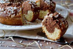 Il Ciambellone Panna e Cioccolato è un perfetto dolce da colazione, bello e semplice da realizzare. Gli ingredienti sono tutti facili da reperire e facili da lavorare, per dare il colore scuro useremo semplicemente qualche cucchiaio di cacao amaro. Possiamo personalizzare il Ciambellone Panna e Cioccolato in mille modi diversi: aggiungendo ingredienti come gocce di [...]
