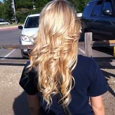 Someone help me get my hair like this...