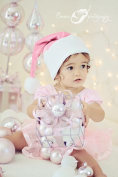 Pink Christmas idea! Love to have my Grandkids all dressed in pink and white for a picture. :-)