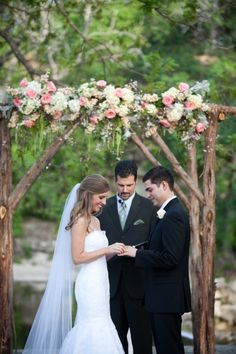 <p>Courtney and Rob's big day was an event 10 years in the making. High school sweethearts, they were married in Texas' lovely Hill Country (where they went to college) in a beautiful outdoor ceremony atPecan Grove. I'm still swooning over the absolutely incredible florals byWow Factor who live up to their name with the unbelieveable ceremony arch literally dripping with …</p>