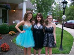 Mariah Soph Homecoming with Jessica and Morgan 2009