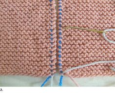 Purchase Garter Stitch Seams Invisible Join How-tos With Photos from Skerin Knitting and Crochet. Knitting Stitches, Knitting Needles, Knitting Patterns, Knitting Tutorials, Couture Invisible, Beginning Crochet, Knit Edge, Purl Stitch, Invisible Part Weave