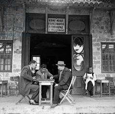 at the coffee shop rhodes 1952 dimitris harissiadis benaki museum Coffee Shops, Benaki Museum, Old Greek, Greek Culture, Vintage Italy, Greece Travel, Greek Islands, Vintage Photography, Historical Photos