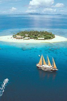 Beachcomber Island Resort, Fiji - 13 Stunning Pictures of Wonderful Places Dream Vacations, Vacation Spots, Places To Travel, Places To See, Travel Destinations, Places Around The World, Around The Worlds, Island Resort, Vanuatu