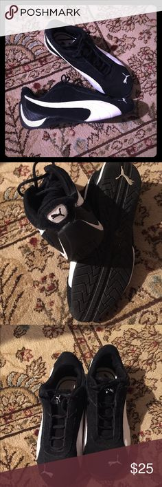 Sold on another app. Worn once. No flaws. Boys size 2 1/2, but fit a woman's size 5. I'm a true size 5 woman's, & these fit me perfectly. Firm on price. Puma Shoes Sneakers