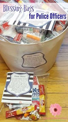 How to Reward Police officers – Real Advice Gal Do you support law enforcement? Show them you care with these blessing bags for police officers AD Service Projects For Kids, Community Service Projects, Service Ideas, Community Helpers, Community Project Ideas, Buy One Get One, Homeless Care Package, Homeless Bags, Church Outreach