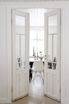 those doors to that dining room!.