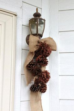 52 Beautiful Rustic Christmas Decorations You Can Easily DIY – Christmas DIY - Decor - Cards Decoration Christmas, Christmas Wreaths, Fall Wreaths, Christmas Ideas, Frugal Christmas, Simple Christmas, Christmas Decorations Pinecones, Door Wreaths, Decorating For Christmas Outdoors