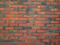 Roy @RoyDoodle / 그 골목길에서 가장 오래된 집은 빨간 벽돌 담장을 둘렀다. 담 가운데에 벽돌처럼 숨어서 비슷한 색깔로 쉬고싶다. 그러다 누군가의 손 끝이 스치는 순간, 이것은 우연이었냐고 불쑥 묻고싶다. / #골목 #담벼락 / 2013 06 01 /