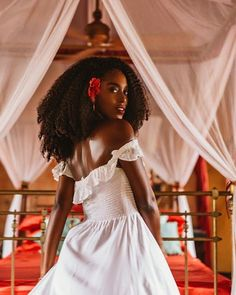Indique Hair Wigs Stone Town, White Sand Beach, African Women, Wig Hairstyles, Black Hairstyles, Natural Hair Styles, Flower Girl Dresses, How To Plan, Beauty