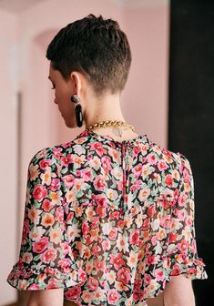 Haircuts For Fine Hair, Pixie Hairstyles, Pixie Haircut, Very Short Hair, Short Hair Cuts, Sezane Blouse, Styles Courts, Style Parisienne, Short Styles