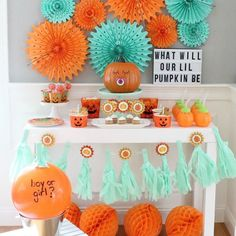 🎃What will your lil' pumpkin be? How fun is this gender reveal party from Shop this look and see all the fun details click the link. Fall Gender Reveal, Pumpkin Gender Reveal, Halloween Gender Reveal, Gender Reveal Themes, Gender Reveal Party Decorations, Baby Gender Reveal Party, Gender Neutral Baby Shower, Baby Halloween, Gender Party