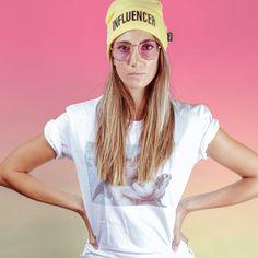 Beanie «INFLUENCER» Sonnenbrille «VIOLET» T-Shirt «FIRSTKISS» Shops, Wildfox, Round Sunglasses, Beanie, T Shirt, Style, Fashion, Supreme T Shirt, Swag