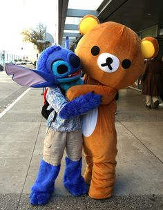 Stitch, from the American animated movie Lilo and Stitch, with Rilakkuma (リラックマ), from his storybook series
