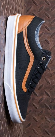 Vans Old Skool Shoes - (Canvas and Leather) Black/Washed with contrast bleached denim insoles