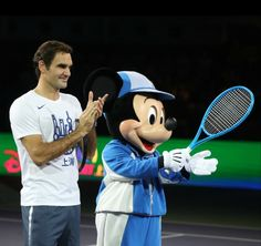 2017 Shanghai Roger Federer and Mickey Mouse