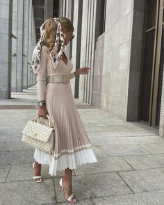 Cute Fall Outfits, Girly Outfits, Classy Outfits, Chic Outfits, Modest Fashion, Girl Fashion, Fashion Dresses, Classic Fashion Looks, Workwear Fashion