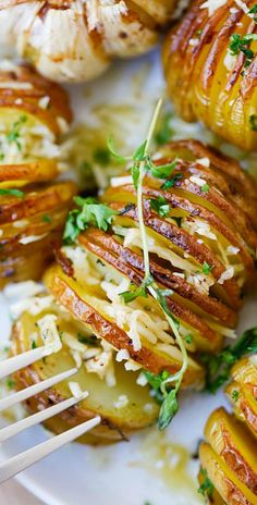 Parmesan Roasted Potatoes – roasted potatoes with Parmesan cheese, butter and herbs | rasamalaysia.com