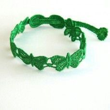 """Armbandje """"Vlinder"""" in vele zomerse kleuren. Ook verkrijgbaar in klavervier. Creja-net.nl"""